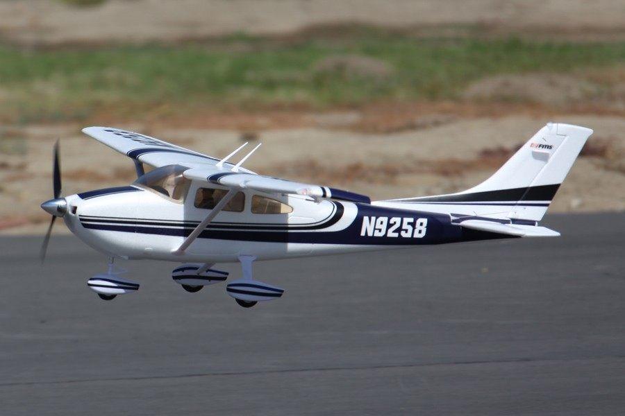 "FMS 1400mm (55.1"") Sky Trainer 182 PNP"